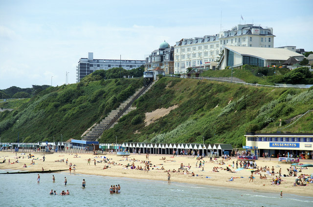 Bournemouth hotel raises concern after East cliff collapse