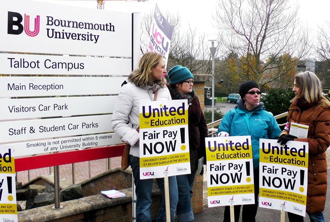 Bournemouth UCU lecturers picket