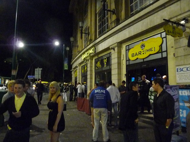 Photo of a Bournemouth bar at night