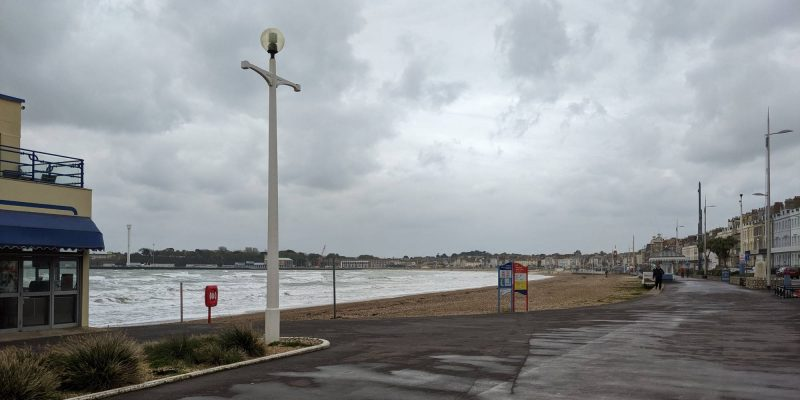 Photo of a miserable looking Weymouth Seafront