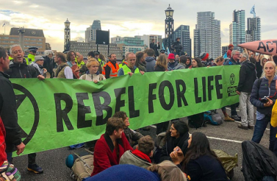 Extinction Rebellion protesters on Lambeth Bridge